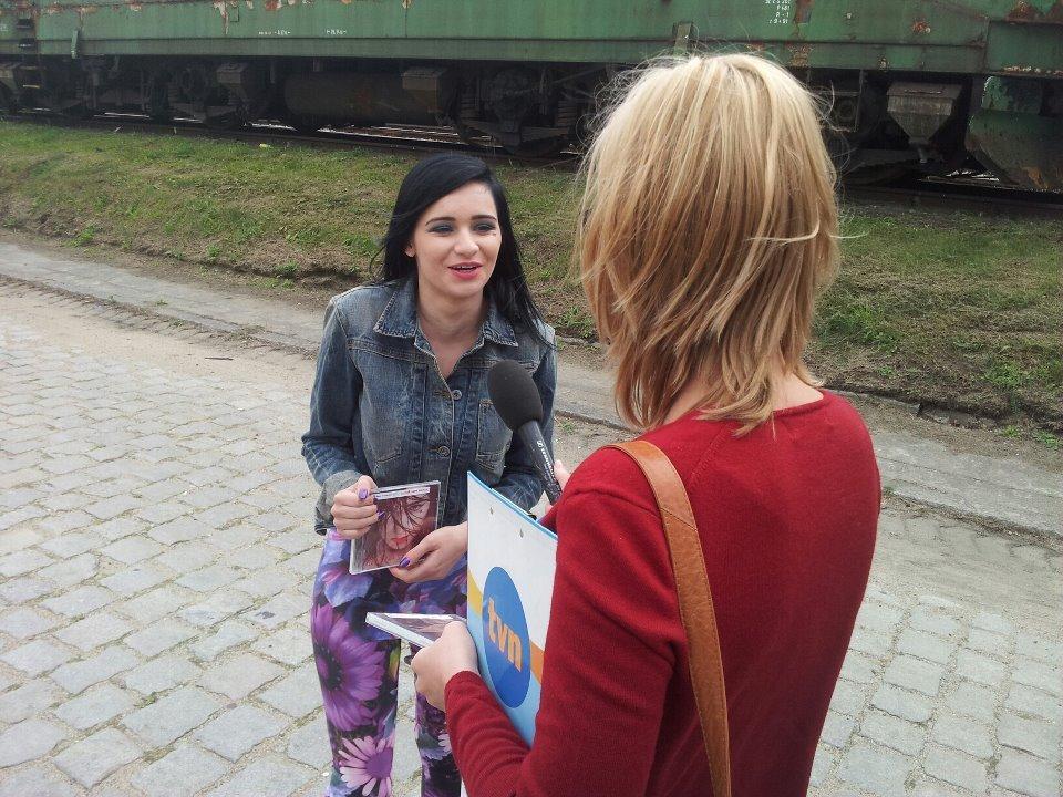 Ewelina Lisowska na planie swojego pierwszego teledysku